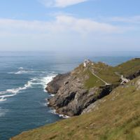 The Mizen Head - Ireland by Ent-ente is licensed under CC BY-SA 4.0