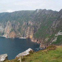 Slieve League cliffs in Ireland, county of Donegal. by Dcairns at English Wikipedia is licensed under PDM
