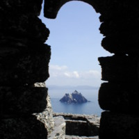 Little Skellig window by Dagmar Willhalm is licensed under CC BY-SA 4.0